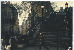 Prestige Paris N°P24 Photographe Garanger (théojac) Escalier Monmartre ? (cp Vierge) - France