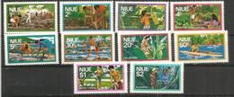 Les Cultures à L'île NIUE (Pacifique Sud): Taro,bananes,coconut,etc. Série De 10 Timbres Neufs ** Nr 165/74 - Agricultura