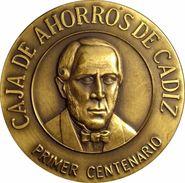 ESPAÑA. MEDALLA DEL PRIMER CENTENARIO DE LA CAJA DE AHORROS DE CADIZ. 1.985. CON ESTUCHE. ESPAGNE. SPAIN - Profesionales/De Sociedad