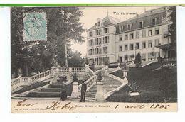 CPA-88-1906-VITTEL-GRAND HOTEL ET ESCALIER-ANIMEE-UN HOMME ET UN PRÊTRE EN BAS DE L'ESCALIER- - Vittel Contrexeville