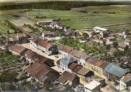 CPSM Dentellée - GODBRANGE (54) - Vue Aérienne Du Centre-Bourg Dans Les Années 50 / 60 - Other Municipalities