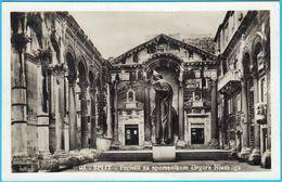 SPLIT - Peristil Sa Spomenikom Grgura Ninskoga ( Croatia ) * Travelled 1933. - Croatia