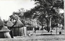 Guinée Française (A.O.F.) - Village Bassari - Edition Quartier Latin, Konakry - Guinée Française