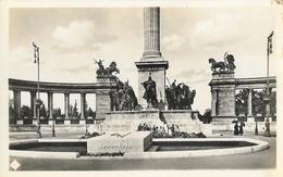 Budapest - Milleniumi Emiekmu (monument Millenaire, Tombeau Du Soldat Inconnu) - Carte Non Circulée - Hungary