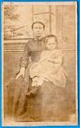 Photo Photographie CDV - Joseph WAYANT Photographe à 68 SOULTZ Haut-Rhin - Femme Assise Avec Fillette Sur Les Genoux - Ancianas (antes De 1900)