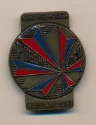 Badge (fixation épingle) - AUDAX CLUB PARISIEN - Flèche Velocio - MAILLANE 1989 - Cycling