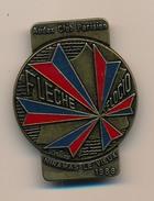Badge (fixation épingle) - AUDAX CLUB PARISIEN - Flèche Velocio - MIRAMAS LE VIEUX 1988 - Cycling