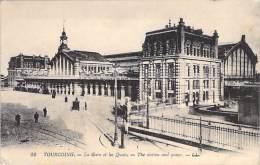 ** Lot De 4 Cartes ** 59 - TOURCOING : Diverses Petit Format ( 1 CPA  Et 3 CPSM Dentelées ) - Nord - Tourcoing