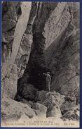 29 CLEDEN-CAP-SIZUN La Baie Des Trépassés, L'entrée De La Grotte De L'est - Animée - Cléden-Cap-Sizun