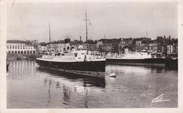 "Francia--Dieppe--1949--Le ""Brighton"" Sortant, A Quai Le ""Worthing"" - Chiatte, Barconi"