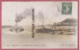 62 -CALAIS-Le Paquebot Sortant Du Port - Calais