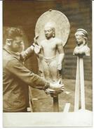 """EXPOSITION  DES """"TRESORS D'ART DE L'INDE""""  AU PETIT PALAIS A PARIS - 5 PHOTOS DE PRESSE 28.03.60 - Objects"""