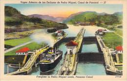 Panama - Vapor Adentro De Las Esclusas De Pedro Miguel - Panama