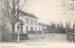 52 MONTIER EN DER - Cour De La Gare - Animée - Montier-en-Der