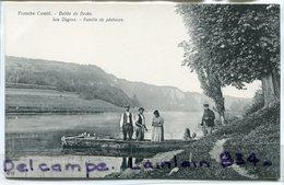 - Vallée Du Doubs - Les Ougnez -  Famille De Pêcheurs, Enfants, Scène De Vie, Des Pots Au Lait, Non écrite, TTBE Scans. - France
