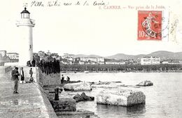 Cannes . Vue Prise De La Jetée Sur Les Pêcheurs Et Le Phare . - Grasse