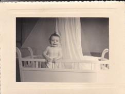 MIMI PHOTO---BEBE Dans Son Lit--voir 2 Scans - Photographs