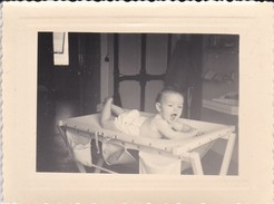MIMI PHOTO---BEBE Sur La Table à Langer--voir  Scan - Photographs