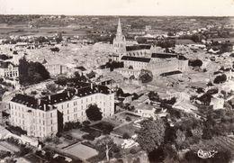 79 - Saint Maixent L'Ecole : Hôpital - Eglise Abbatiale - Vue Aérienne - CPM Neuve - Saint Maixent L'Ecole