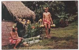 """CPSM TAHITI """"Cueillette Du Fruit à Pain Ou Uru"""" (Pearl Of South Sea, Printed In USA) - Tahiti"""
