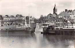 ¤¤  -  6  -  MONTCEAU-les-MINES  -  Le Canal Et L'Eglise  -  Péniches  -  ¤¤ - Montceau Les Mines
