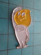 Pin813e Pin's Pins /  CARBURANTS /  Mr GOUTTE D'HUILE ESSO Rare Et De Belle Qualité !!! - Carburants