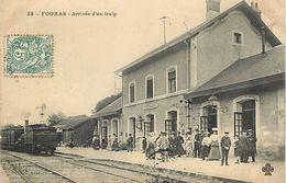A-17.7464 :   LIGNE DE CHEMIN DE FER. TRAIN. GARE. FOURAS - Fouras-les-Bains