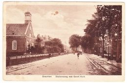 Drachten - Stationsweg Met Geref. Kerk - 1933 - Drachten