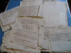 INTERRESSANT DOSSIER DE + DE 50 DOCS FAMILLE DELISLE DE CHARLIEU 1645-1780 QUITTANCES RELIGIEUX MILITAIRES LYON ARDECHE - Autógrafos
