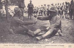 Les Américains En France - American Soldiers In France - Un Duel En France, Combat à La Baionnette, Assis Au Sol - 1918 - Oorlog 1914-18