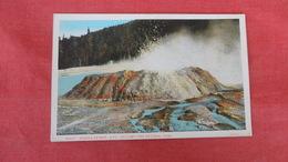 Spong Geyser  4 Ft.- Wyoming > Yellowstone Ref 2636 - Yellowstone