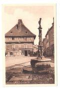CPA 46 Saint Cere No.361 Place Du Marcadiol Fontaine Et Maison Achatez Immédiat - Saint-Céré