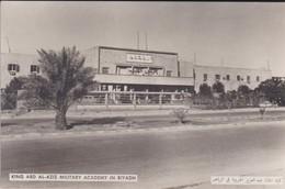 SAUDI ARABIA--RARE--king Abd Al-aziz Military Academy In Riyadh--munistry Of Information--carte Photo--voir 2 Scans - Arabie Saoudite