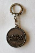 Porte Clefs Ancien 24 Heures Du Mans Circuit 24 Pilote De Course à L'échelle 1/30 - Habillement, Souvenirs & Autres