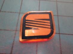 Pin915c Pin's Pins / AUTOMOBILE : LOGO DE LA PRESTIGIEUSE MARQUE SEAT !!   ; Pas Courant Et De Belle Qualité !!! - Badges