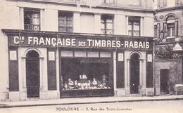 CPA Animée (31) TOULOUSE Devanture Cie Française Des Timbres - Rabais 5 Rue Des Trois Journées - Toulouse