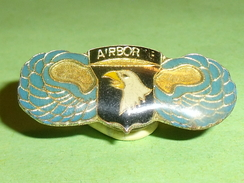 Pin's / Militaria : Aviation ,  Parachutiste , Airbor , Aigle  TB2o - Armee