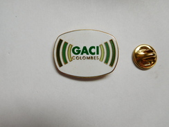 Superbe Pin's En EGF , GACI , Groupement Des Artisans Commercants Et Industriels De Colombes - Villes