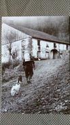CPM. N°88. Joël COUCHOURON Vosges - LE PORTEUR DE BIDON DE LAIT - FERME Et CHIEN  - LES VIEUX METIERS - BOUILLE - Paysans
