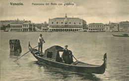 Venezia - Panorama Del Molo Con Gondola (000984) - Venezia