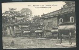 Annam - Hué - Les Urnes En Bronze De La Dynastie De Gia- Long    Odh17 - Vietnam