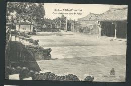 Annam Hué -   Cour Intérieure Dans Le Palais    - Odh25 - Viêt-Nam