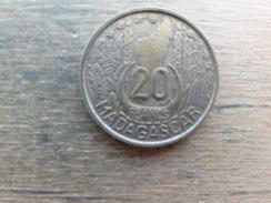 Madagascar  20  Francs  1953  Km 7 - Madagascar