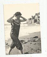 Cliché D'autrefois , Cp , 35, SAINT MALO , Folklore , Jeune Fille En Costume De Bain , St Malo-Paramé 1900 ,voyagée 1981 - Saint Malo