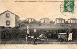 La Gare De La Brohinière - Nouvelles Maisons Des Employés - Autres Communes