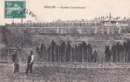 27 GAILLON   Homme Et GARDIEN De PRISON Dans Un CHAMP Devant Le QUARTIER Correctionnel Timbre - Francia