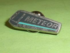 Pin's / Trains / TGV : Metro , Meteor  ( Decat Paris ) TB2p - TGV