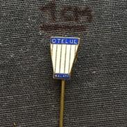 Badge (Pin) ZN005580 - Football (Soccer / Calcio) Romania Otelul Galati (Oțelul Galați) - Voetbal