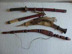 Déstockage Lot Indissociable Couteau De Décoration Objets Ethnique Souvenir Du Japon Afrique Moyen Orient. - Messen