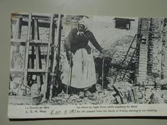 NORD LA GUERRE DE 1914 LE RETOUR AU LOGIS D'UNE VIEILLE PAYSANNE DU NORD - Andere Gemeenten